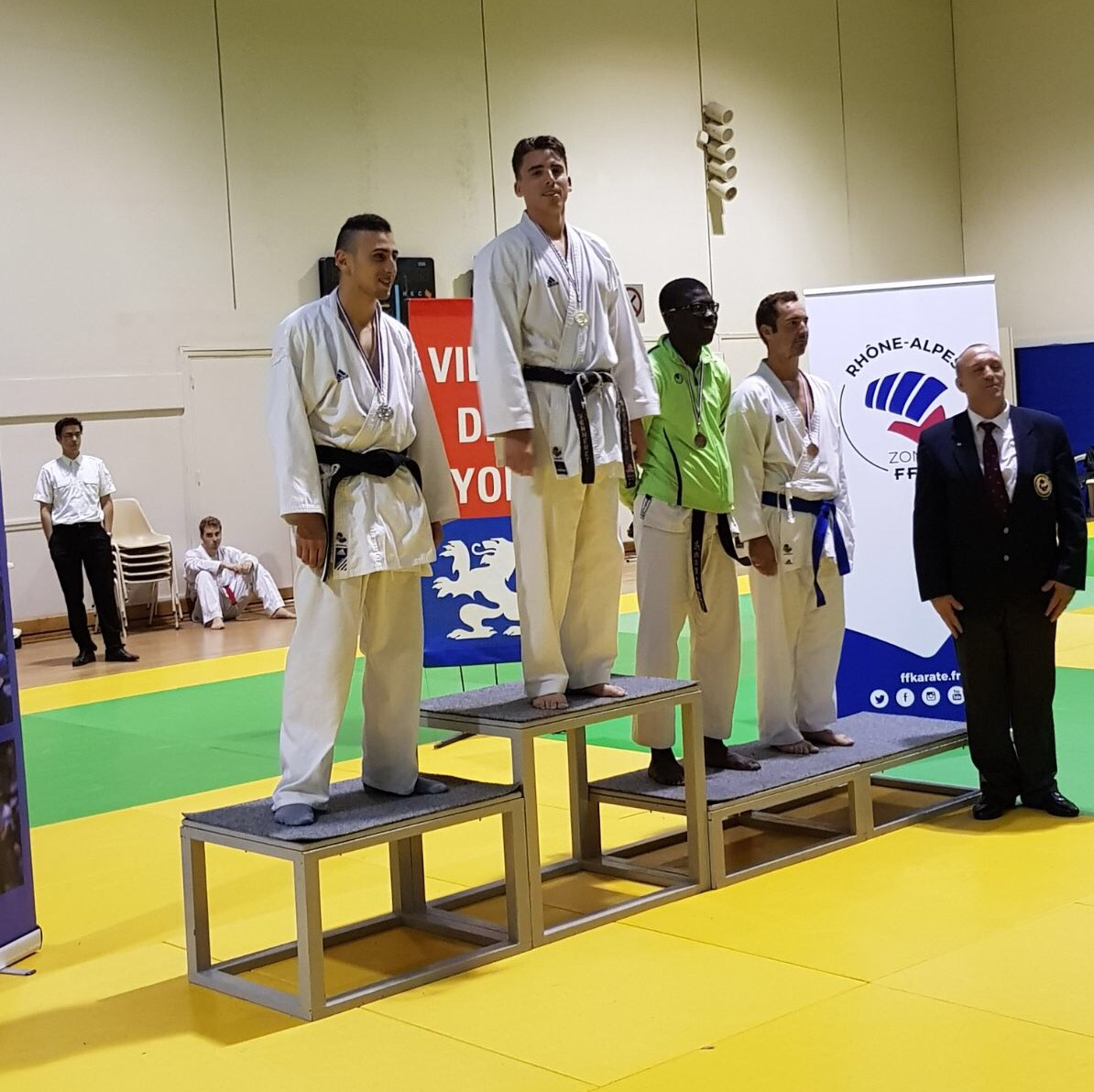 podium karaté